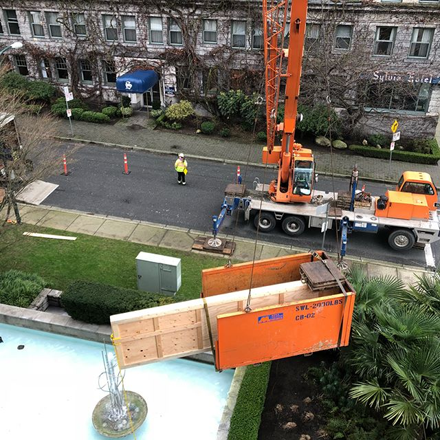 Who likes when you get an Art and dining room table delivery 13' long and 500lbs that needs to be craned through a window downtown ? . Not this Guy  . Safety first . . . .